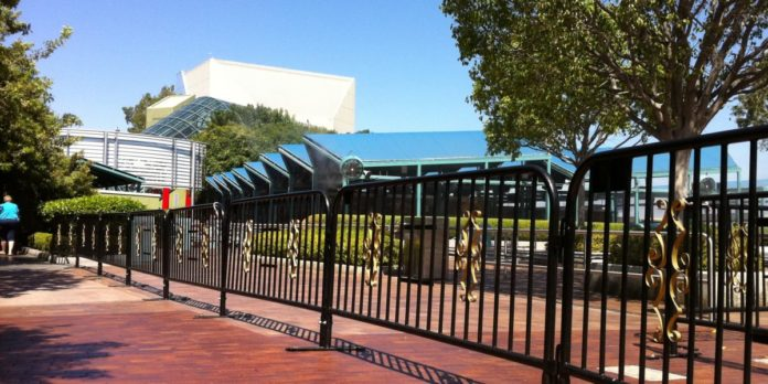 custom barricades