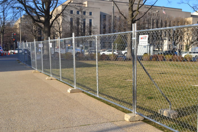 top-4-uses-for-temporary-fence-panel